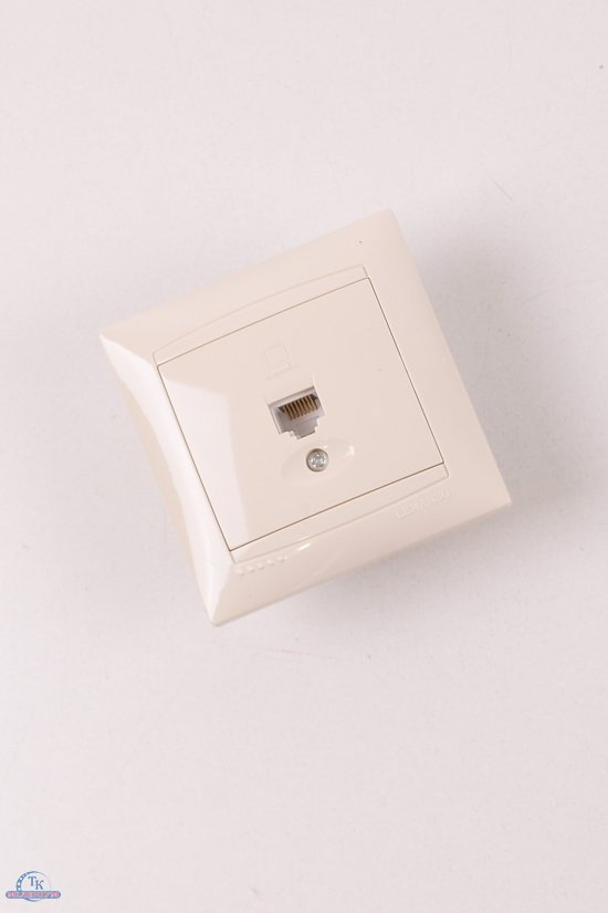 Розетка одинарная компьютерная (цв.кремовый) Lemanso арт.LMR1128