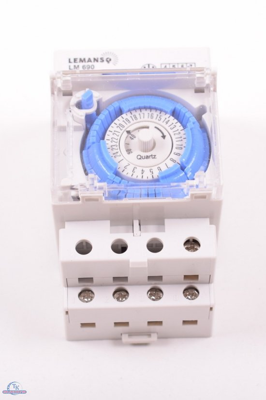 Таймер суточный электромеханический 16А (год гарантии) арт.LM690